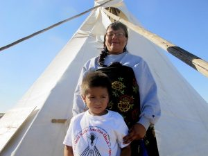 sioux and child